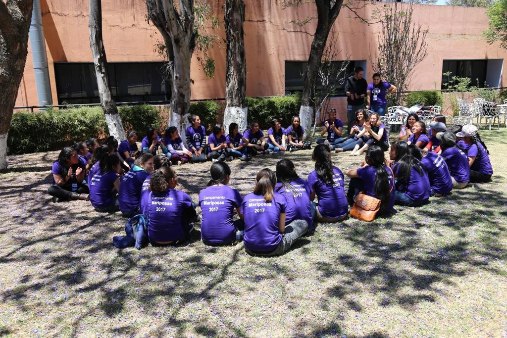 Campamento para niñas en la ciencia